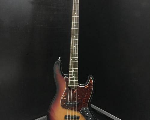 Fender Jazz Bass 4 Sunburst1 (Copy)