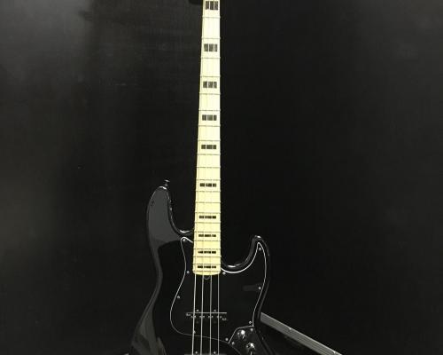 Fender Jazz Bass 4 Deluxe (Copy)