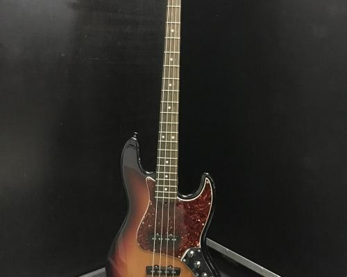 Fender Jazz Bass 4 Sunburst2 (Copy)