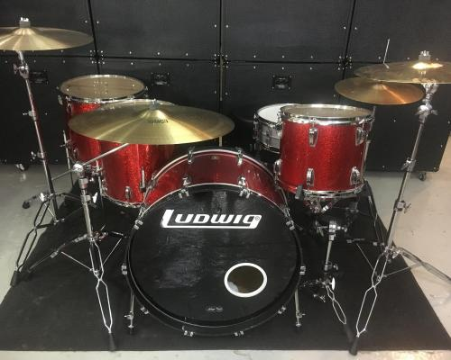 Ludwig Classic Maple Red Sparkle (Copy)