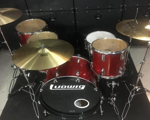 Ludwig Classic Maple Red Sparkle (3) (Copy)