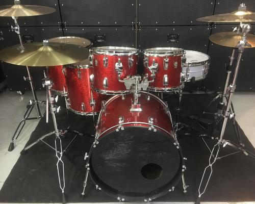 Ludwig Classic Maple Red Sparkle (8) (Copy)