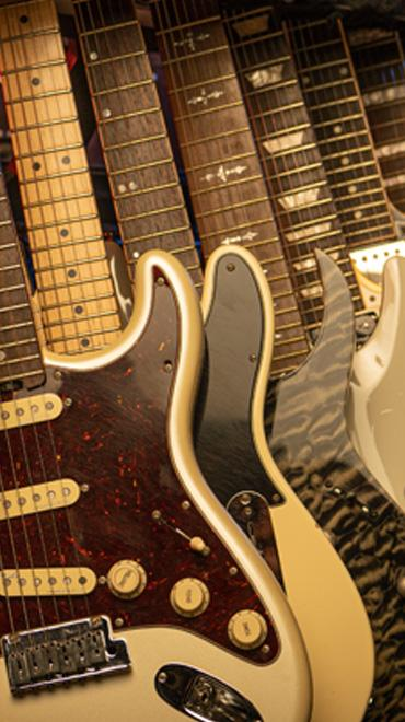 Electric Solid Body Guitars
