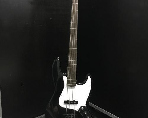 Fender Jazz Bass 4 Fretless (Copy)